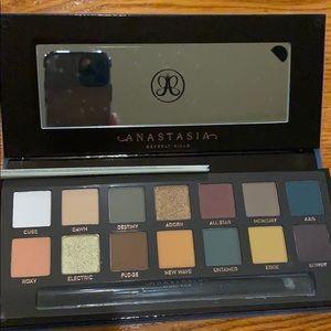 Anastasia - Subculture eyeshadow palette